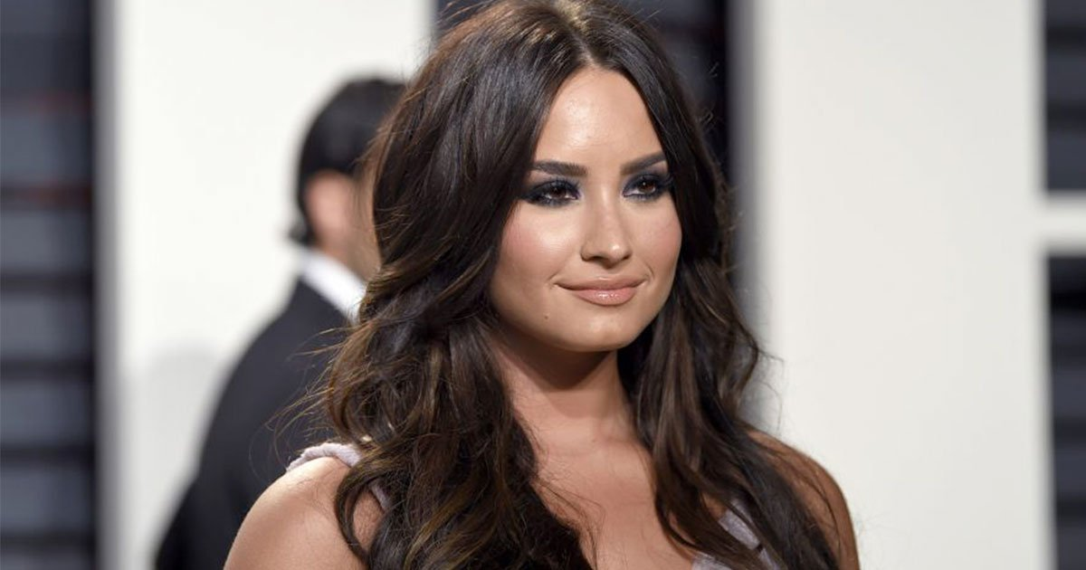 a close source of demi lovato revealed it was not heroin overdose after she is said to be hospitalized for drug overdose.jpg?resize=636,358 - A Source Close To Demi Lovato Revealed It Was Not 'Heroin' Overdose As She Is Said To Be Hospitalized For Drug Overdose