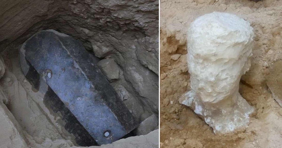 a side 3.png?resize=1200,630 - Misterioso sarcófago negro encontrado em Alexandria é finalmente aberto, revelando 3 cadáveres mumificados banhados em esgoto