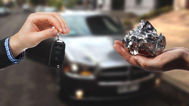autos como proteger mi auto robos envolver llaves papel aluminio n329810 624x352 485701.jpg?resize=412,232 - Envolver as chaves em papel alumínio pode evitar o roubo do seu carro