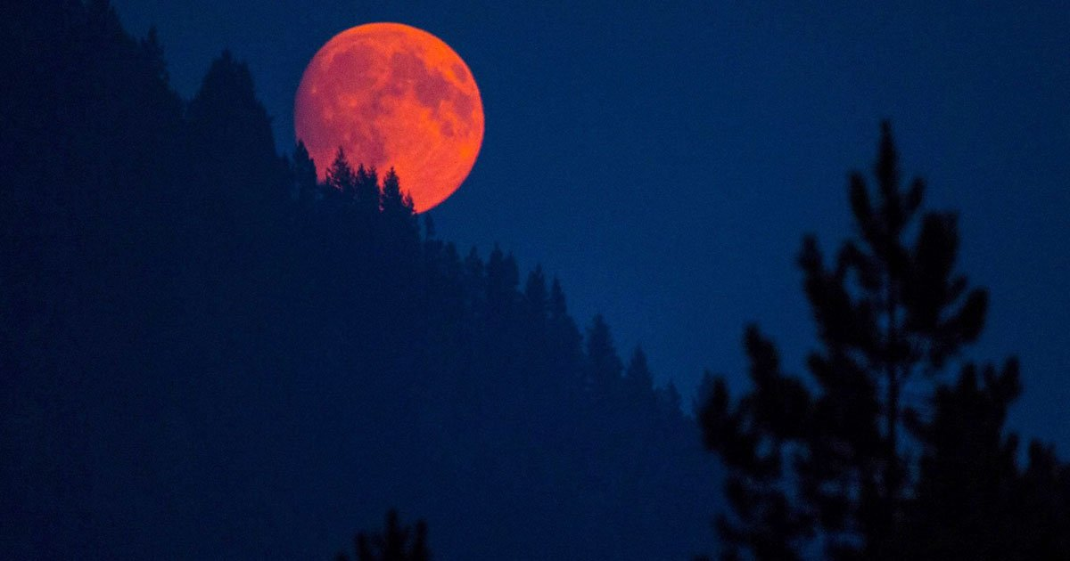 red moon on friday - photo #14