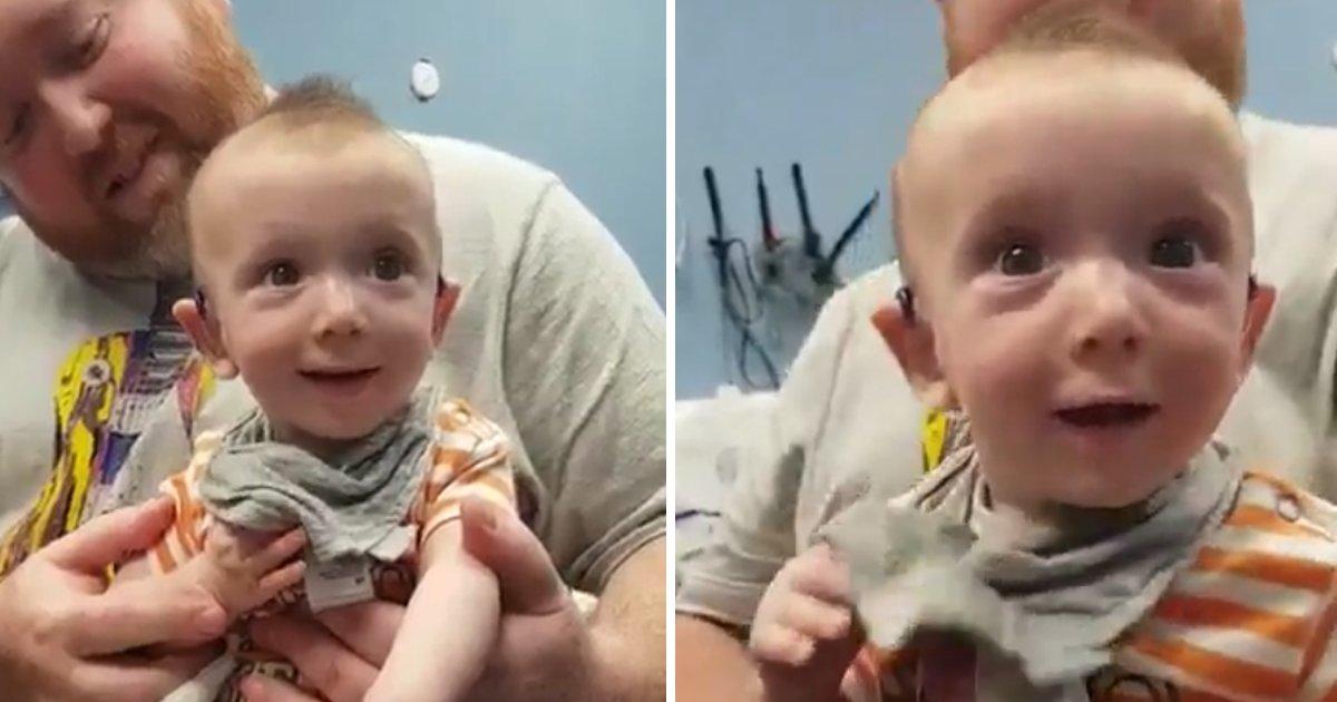 capa0000bvc.png?resize=1200,630 - Vídeo emocionante mostra bebê quase surdo ouvindo a voz da mãe pela primeira vez graças a um aparelho auditivo