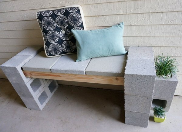 diy-cinder-block-bench