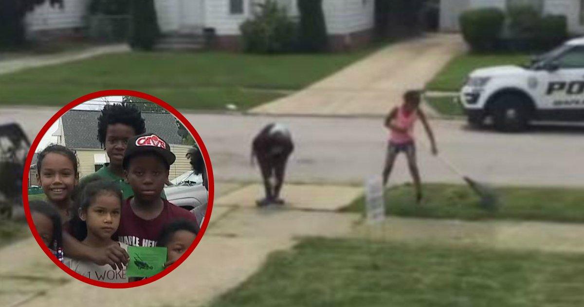 cutting lawn.jpg?resize=412,232 - Des habitants inquiets appellent la police à cause d'un garçon de 12 ans qui a accidentellement tondu leur pelouse