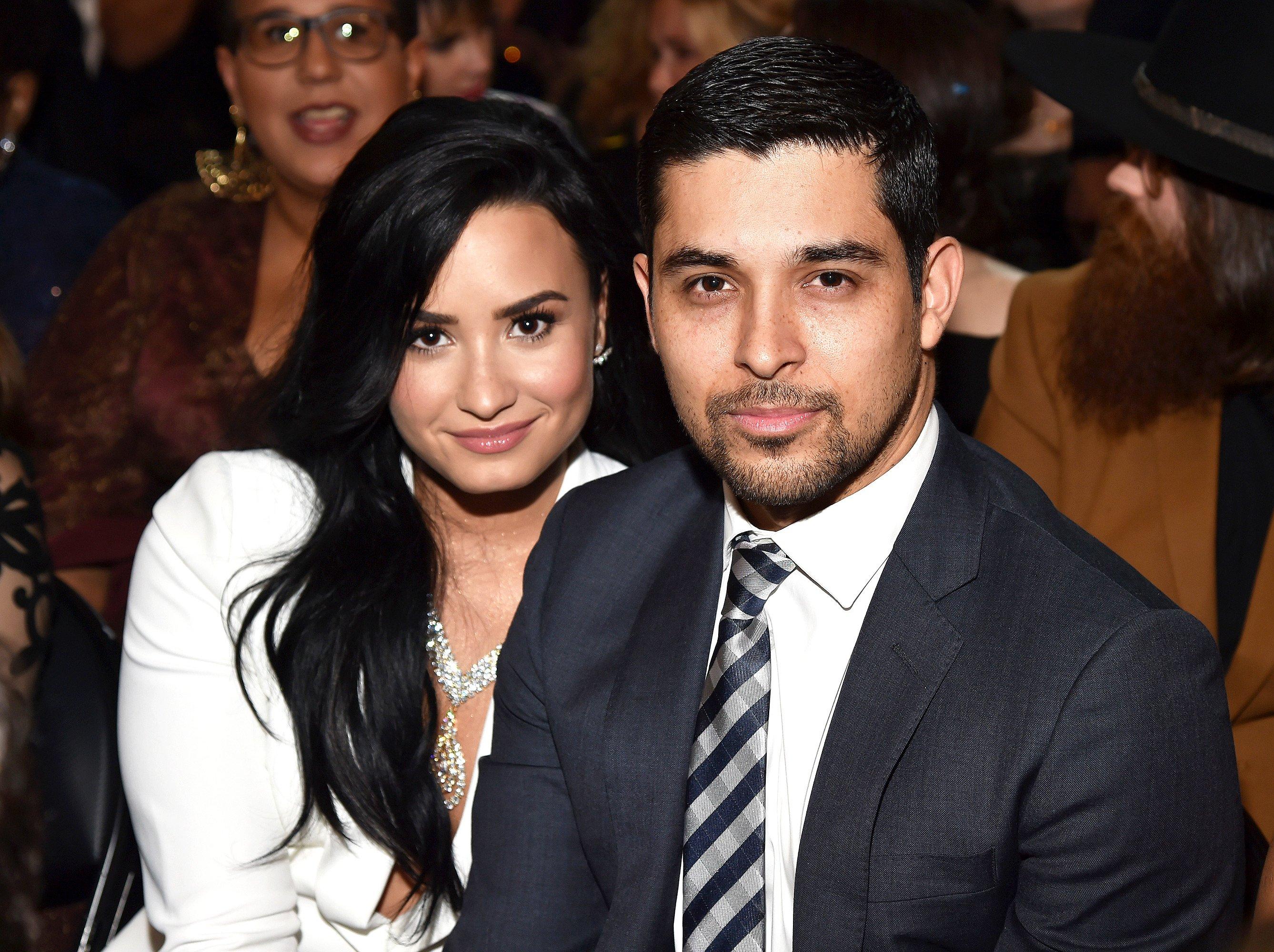 """demi lovato 7.jpg?resize=300,169 - Demi Lovato """"está melhorando"""" com o apoio do ex, Wilmer Valderrama, que passa horas com ela no hospital"""