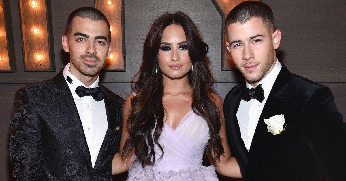 demi lovato joe nick jonas.jpg?resize=1200,630 - L'ex de Demi Lovato, Joe Jonas, et ses frères ont demandé à leurs fans de prier pour Demi après sa surdose