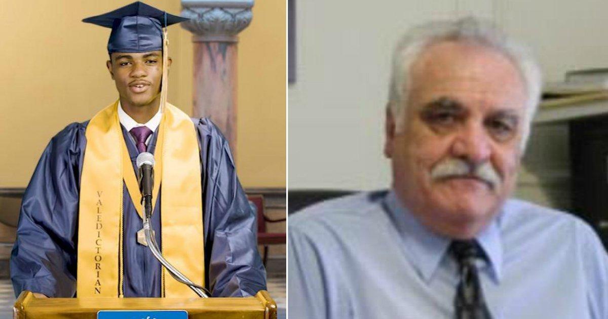 denied speech.jpg?resize=412,232 - Un adolescent afro-américain qui s'est vu refuser une allocution lors d'une cérémonie de remise des diplômes lit son discours devant la mairie