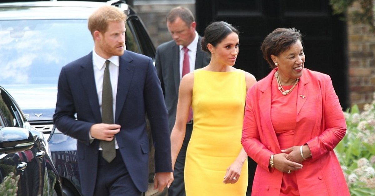 harry nad meghan 1.jpg?resize=636,358 - Meghan Looks Flawless In Bright Yellow Dress As She Joins Prince Harry At Commonwealth Youth Reception