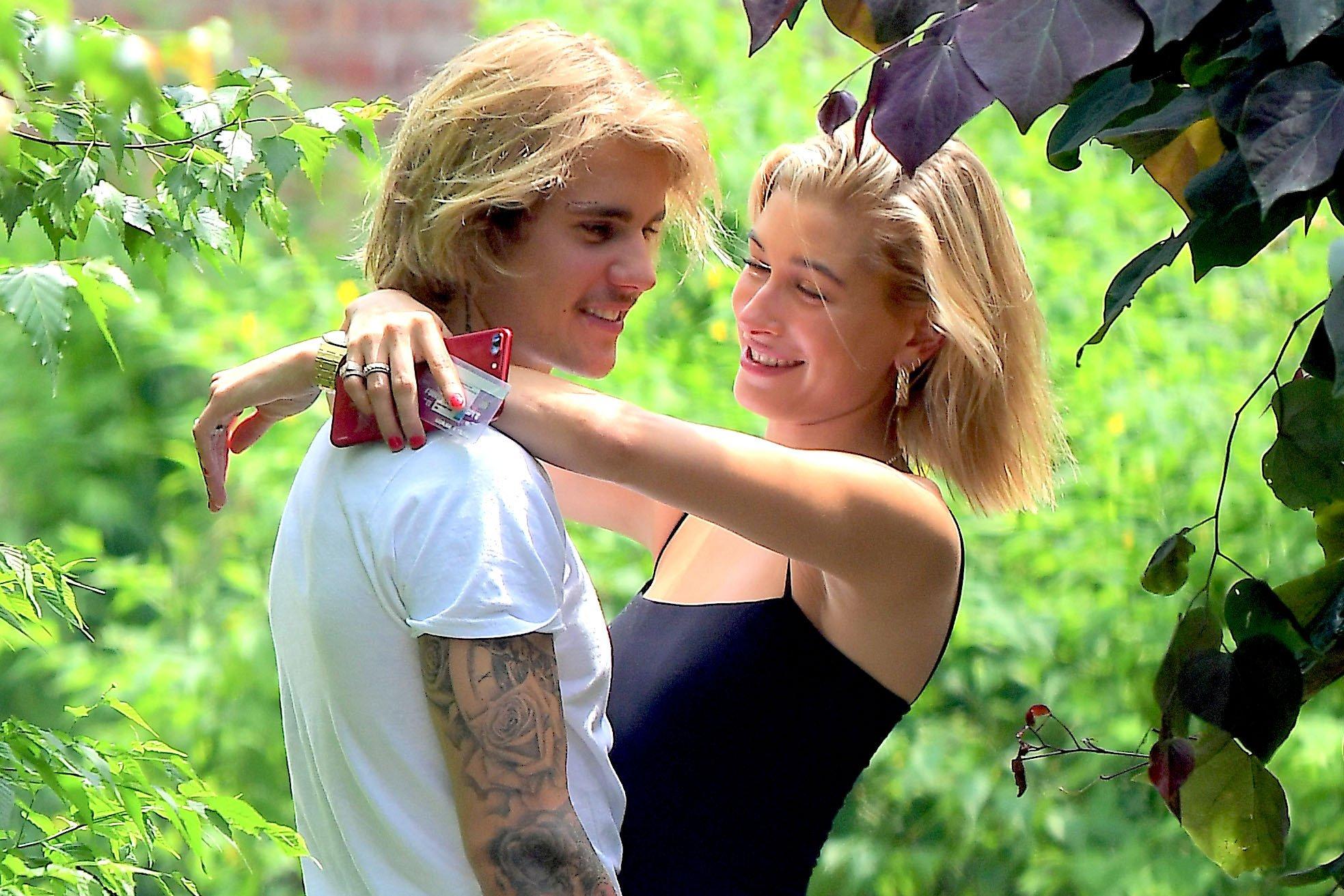 justin hailey.jpg?resize=648,365 - Justin Bieber e Hailey Baldwin estão noivos