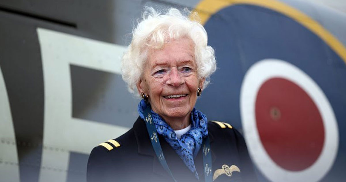mary ellis.jpg?resize=636,358 - The Last Surviving Female World War ll Pilot, Mary Ellis Passes Away At 101