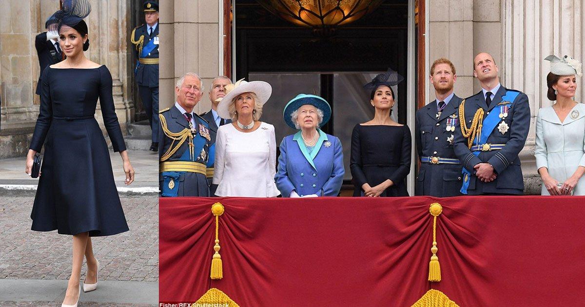 meghan markle stuns in black dior dress as she joins the royals for a fly past at buckingham palace.jpg?resize=636,358 - Meghan Markle éblouie en robe noire Dior alors qu'elle rejoint les Royaux à Buckingham
