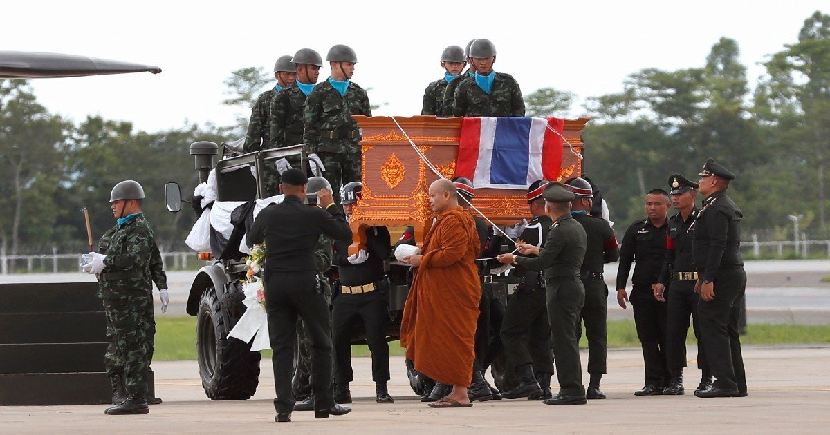 pic copy 13.jpg?resize=636,358 - Remember The Name Saman Kunan, Brave Thai Navy SEAL Diver, Who Died During The Cave Rescue Operation