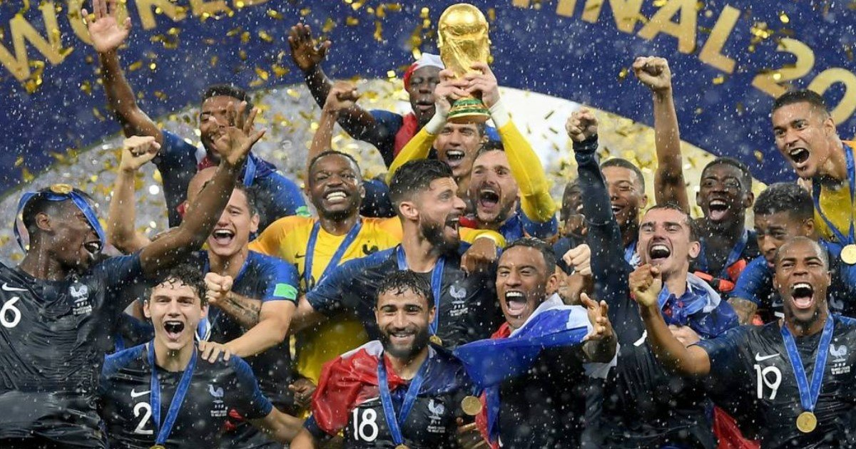 pic copy 2 12.jpg?resize=636,358 - France Erupts In Celebration As Les Bleus Beats Croatia 4-2 To Win 2nd World Cup After 20 Years