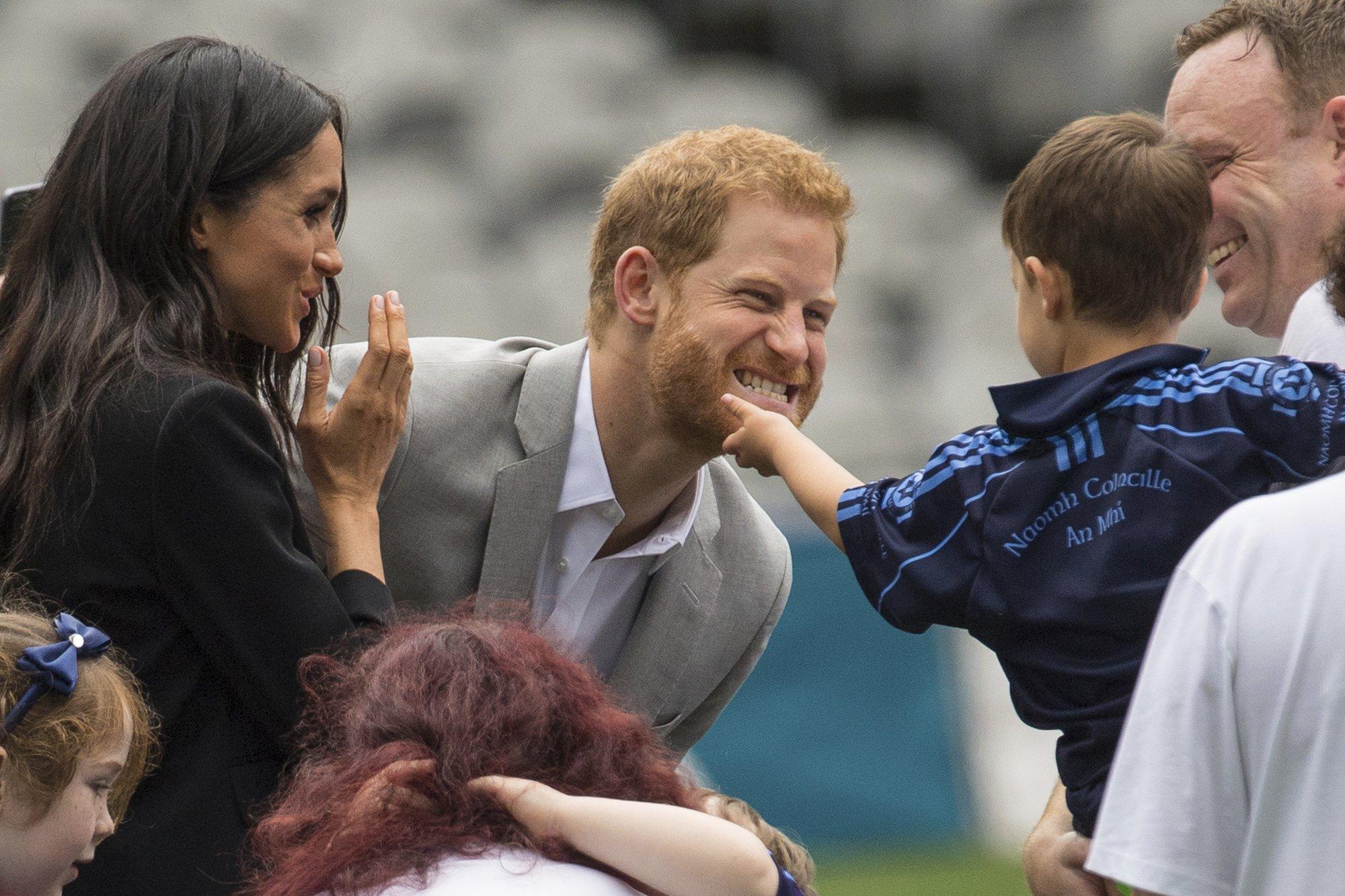 """prince harry 1 2000.jpg?resize=648,365 - Príncipe Harry sobre a quantidade de filhos que quer ter com Meghan: """"Cinco? Acho muito!"""""""