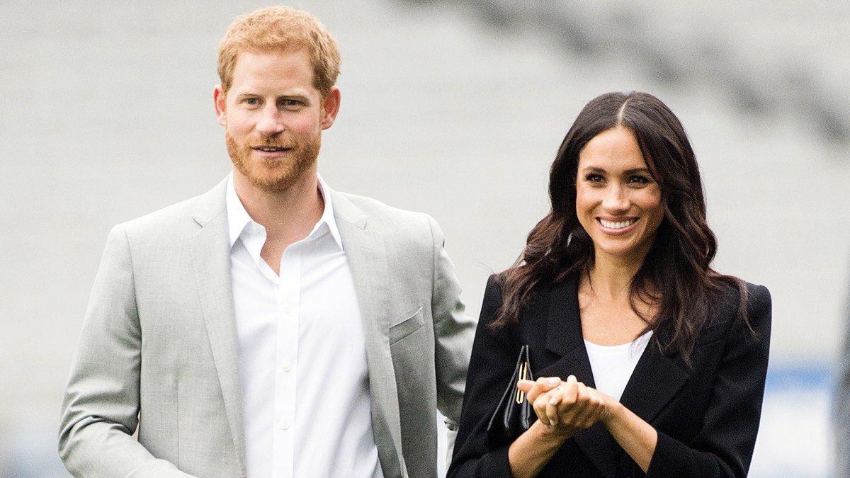 prince harry duchess meghan excited.jpg?resize=300,169 - Meghan Markle terá que seguir uma lista de regras reais se quiser ter um filho com Harry