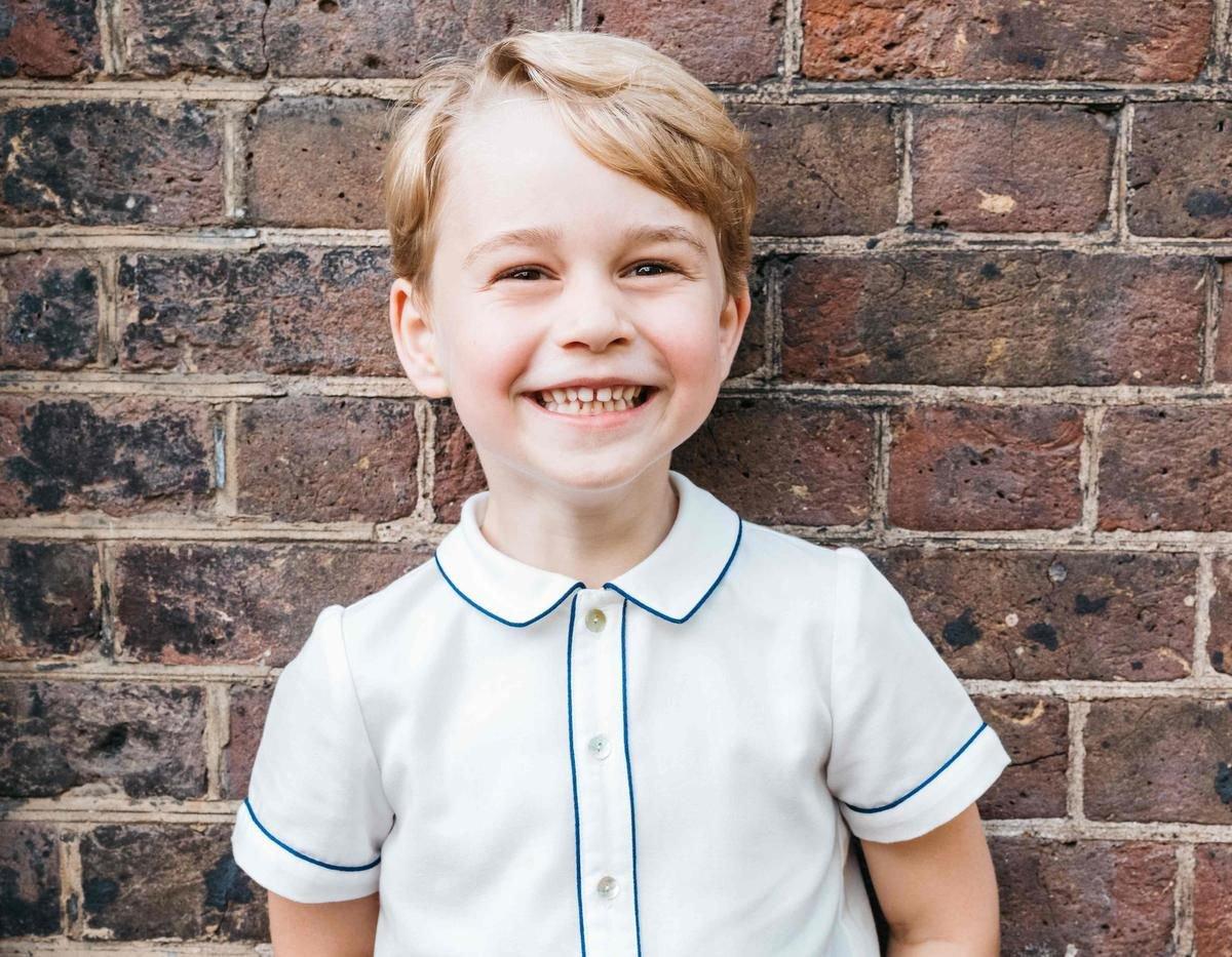 """prince george.jpg?resize=300,169 - Príncipe George """"Não tem mais interesse em brincar com Charlotte o tempo todo"""" revela fonte"""