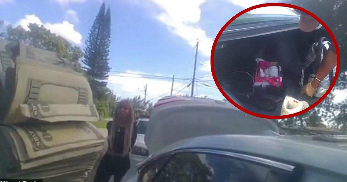 seized money.jpg?resize=412,275 - La police de Miami contrainte de rembourser 20 000 $ à la stripteaseuse de 20 ans