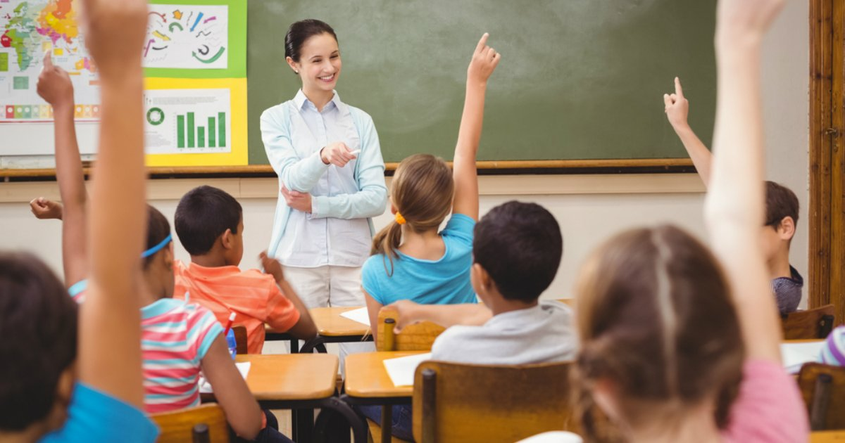sex ed.jpg?resize=412,232 - Un enseignant partage les questions des enfants pendant ses cours d'éducation sexuelle, et c'est hilarant!