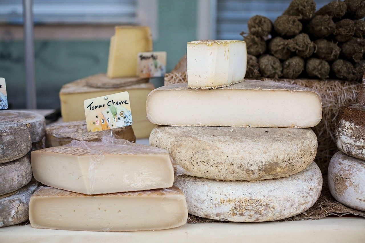 cheeses-1433514_1280