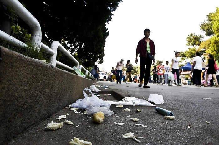 「ゴミのポイ捨て・道に唾を吐く」の画像検索結果