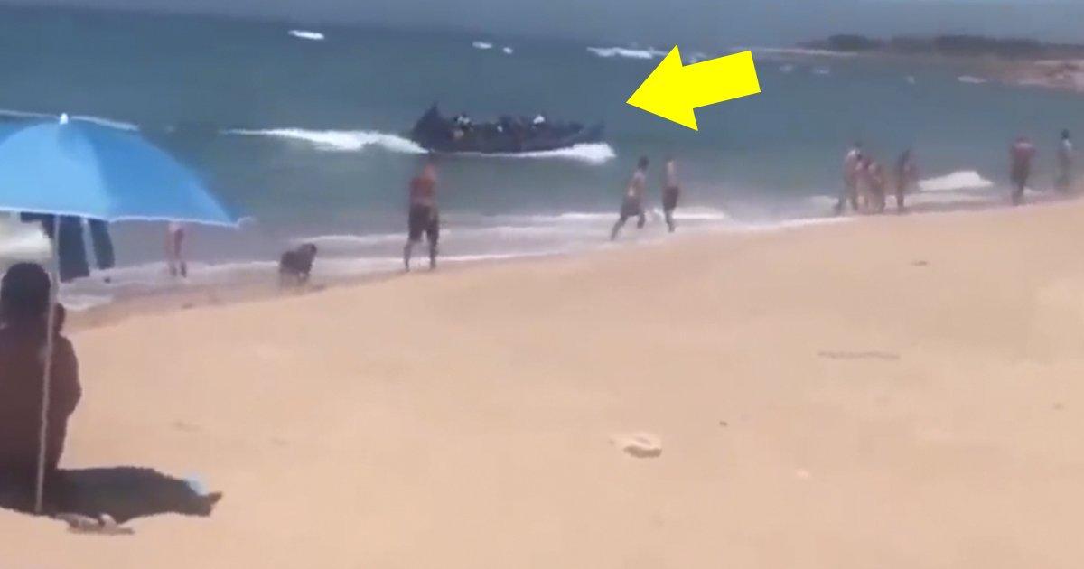 122.jpg?resize=636,358 - [Vidéo] Une cinquantaine de réfugiés débarquent sur une plage espagnole.