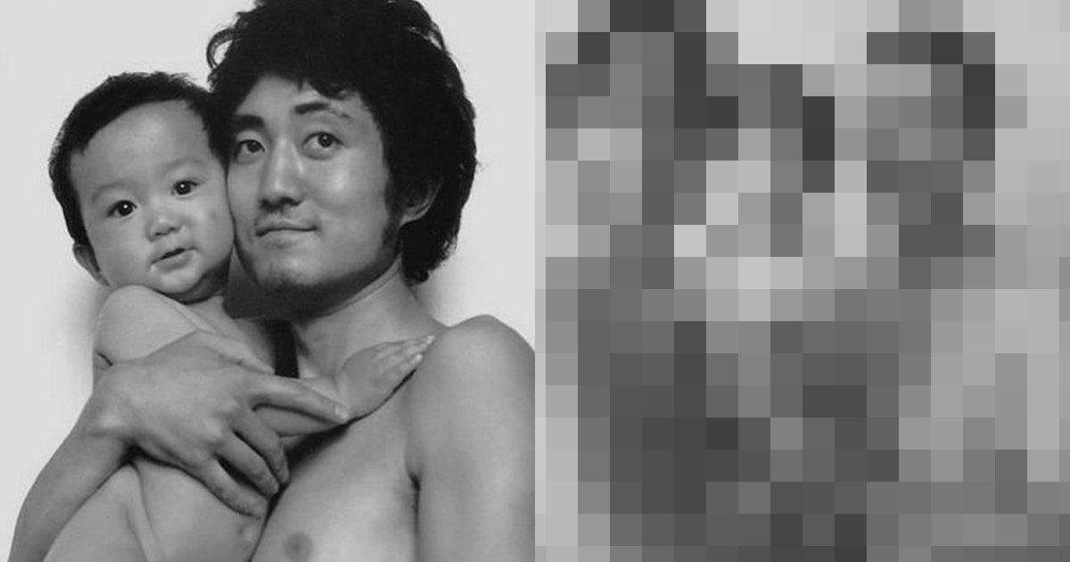 180820 317.jpg?resize=1200,630 - 【感人】30年來持續用同一姿勢拍照的父子,最後一張照片讓人不禁鼻酸