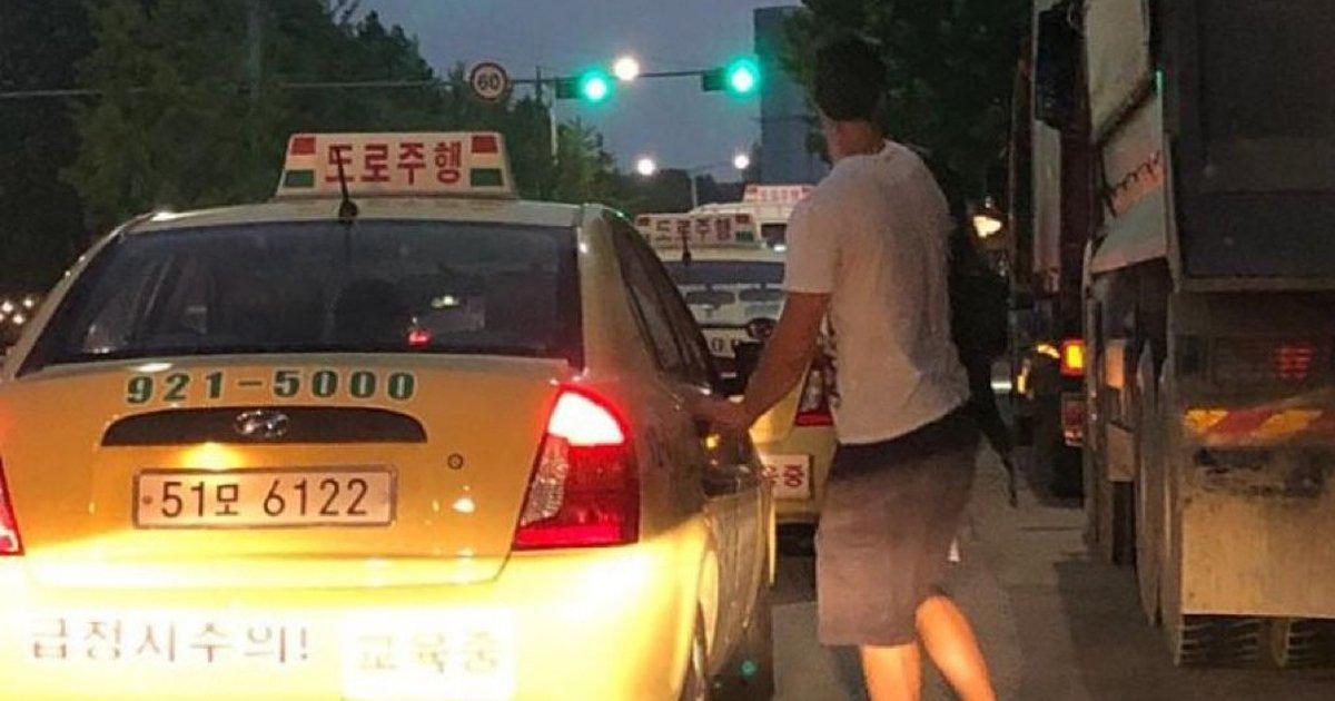 5 25.jpg?resize=300,169 - 도로주행 차량을 택시로 착각한 외국인 관광객.jpg