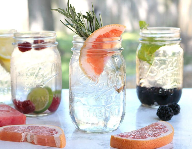7-Delicious-Ways-to-Drink-Detox-Water744.jpg
