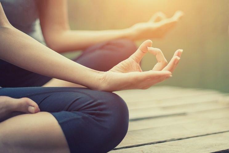 Woman-do-yoga-outdoor.jpg