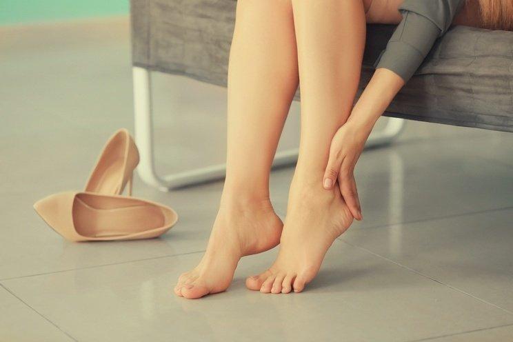 Woman-suffering-from-leg-pain.jpg