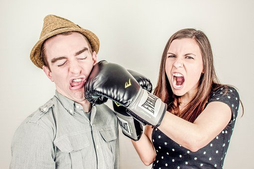 인수, 충돌, 논란, 분쟁, 경합, 경연 대회, 권투, 싸움