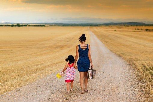 소녀, 가족, 경로, 어린이, 어머니, 부모, 잡고 손