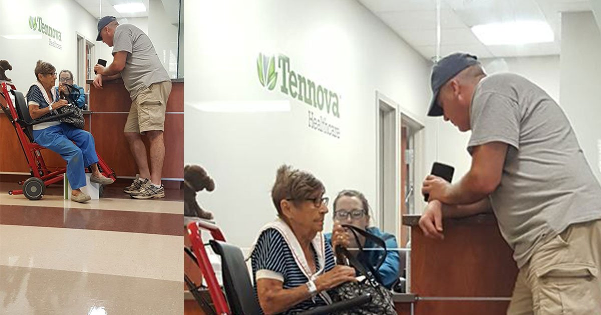 an elderly woman received help from a gentleman after getting ignored by hospitals staff.jpg?resize=636,358 - An Elderly Woman Received Help From A Gentleman After Getting Ignored By Hospital's Staff