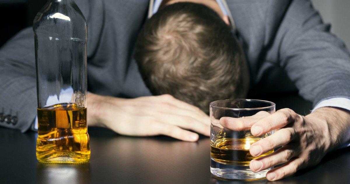 bebida.png?resize=636,358 - Bebida alcoólica mata quase 100 mil pessoas por ano no Brasil