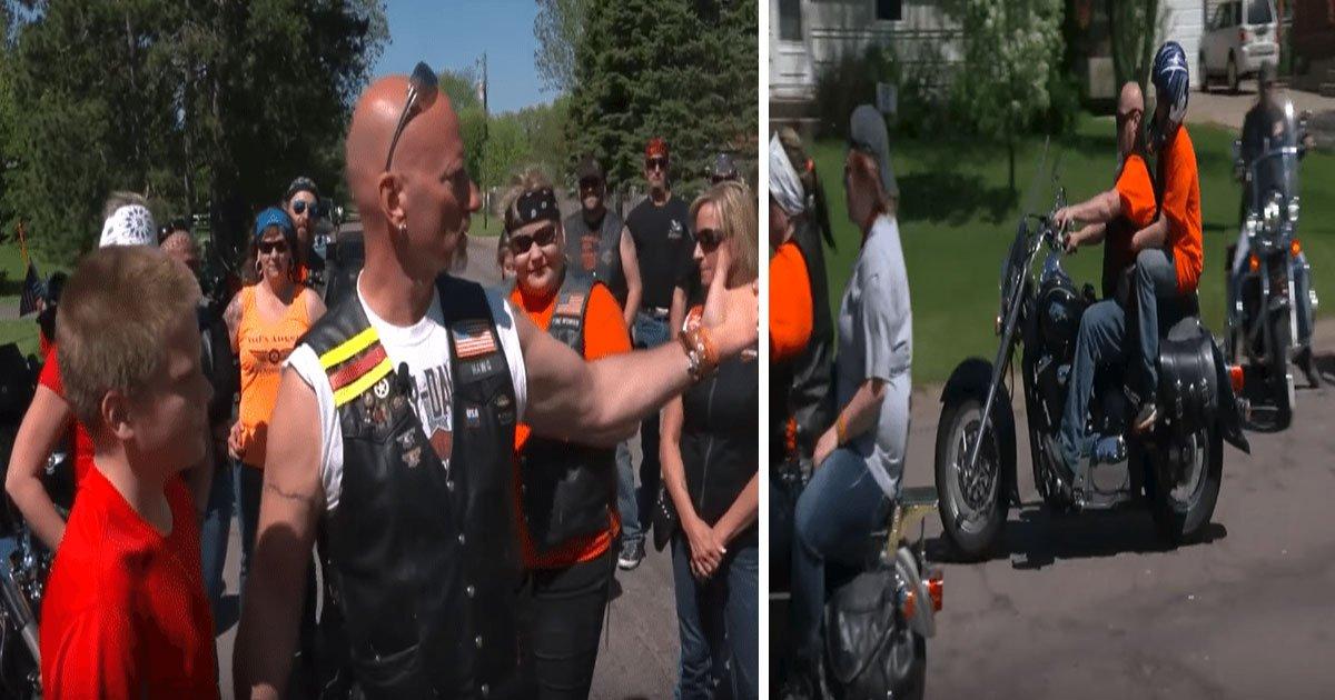 boy teen bullied bikers support 5.jpg?resize=412,232 - Un garçon victime de harcèlement scolaire bénéficie du soutien d'un groupe de bikers