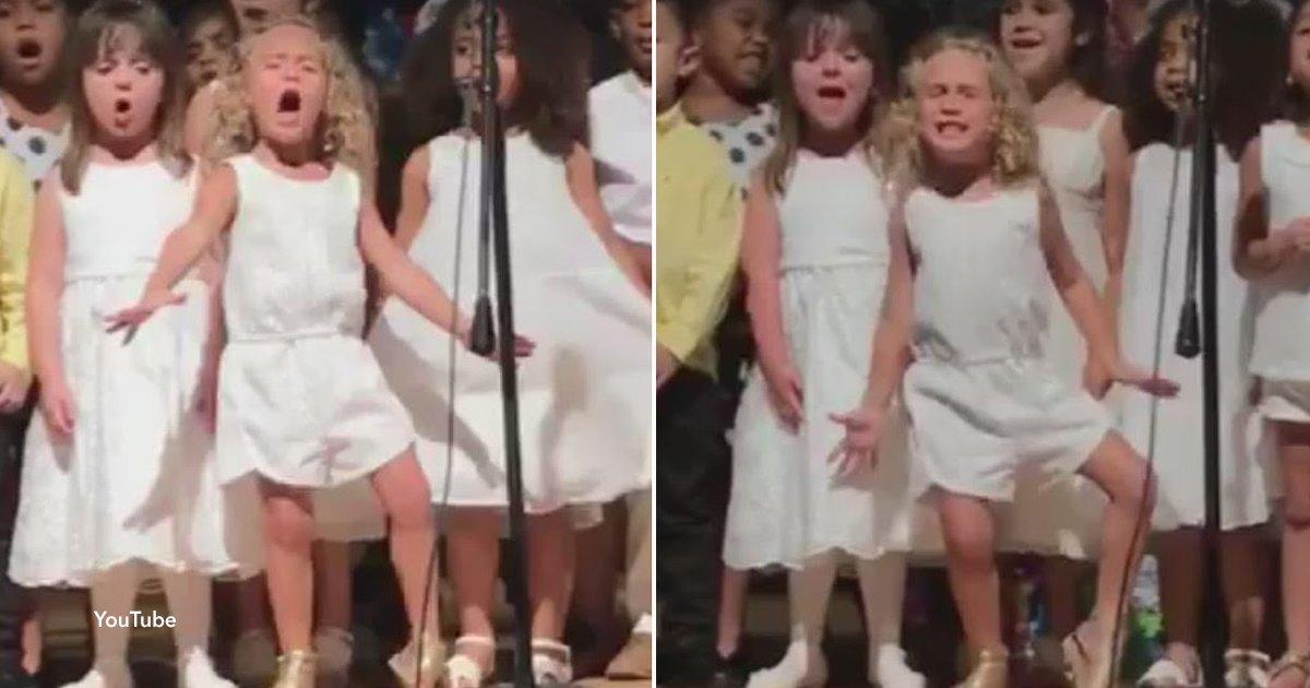 cov 1 51.png?resize=412,232 - La pasión con la que canta esta niña de 4 años en el acto de graduación de su colegio dejó a todos sorprendidos