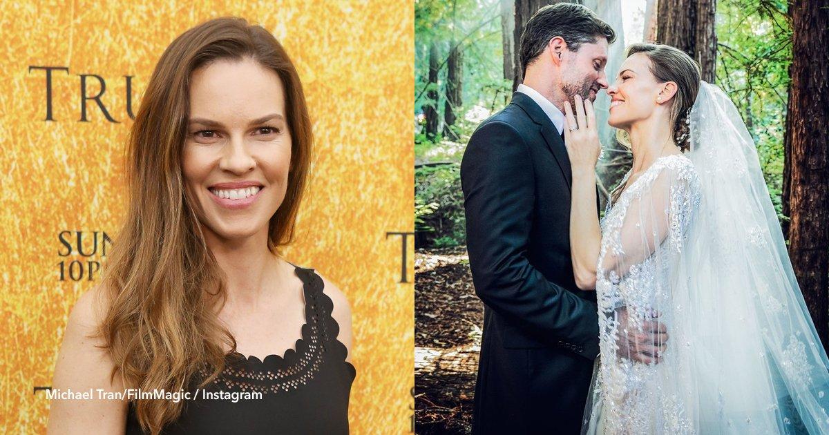 cover22 6.png?resize=636,358 - O incrível casamento secreto de Hilary Swank em uma floresta da Califórnia