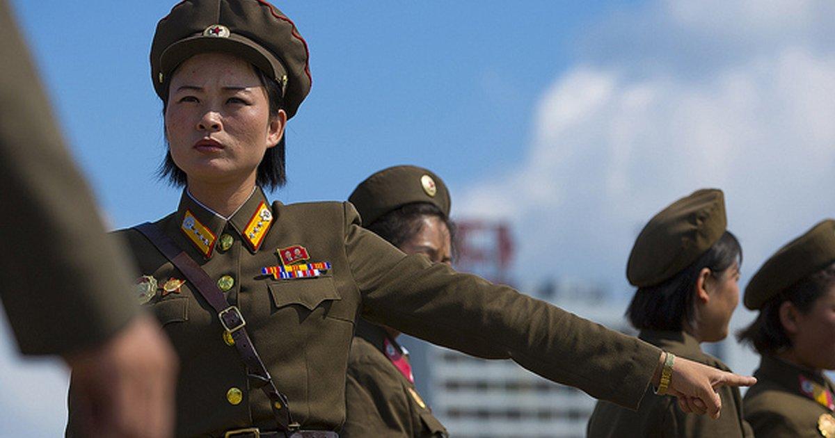 ebb681ed959c.jpg?resize=300,169 - 한 사진 작가를 추방되게 만든 '북한을 찍은 사진들' 모음 (사진 20장)
