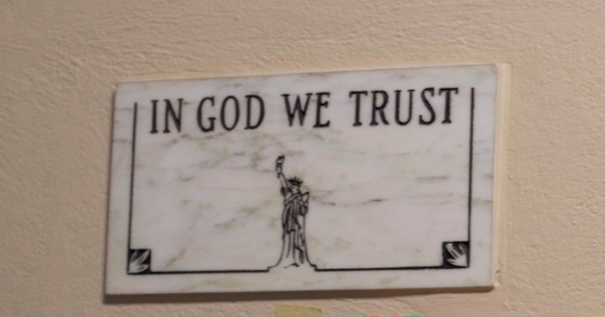 featured image 48.jpg?resize=636,358 - Florida To Display State Motto 'In God We Trust' At Conspicuous Places In Schools