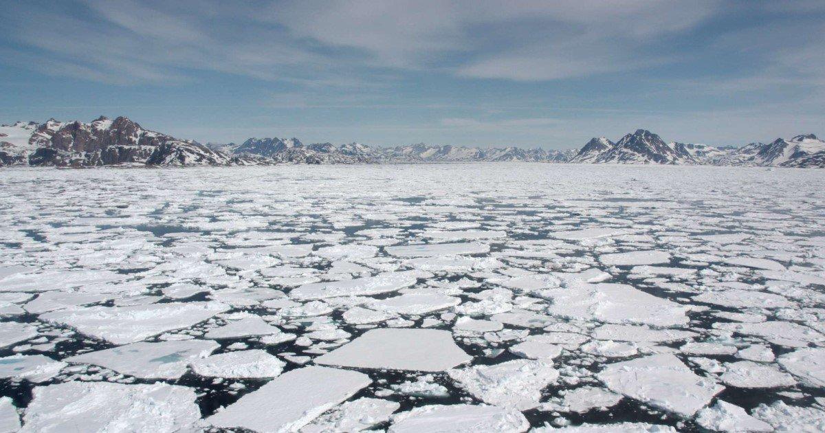featured image 67.jpg?resize=412,232 - La glace la plus ancienne et la plus épaisse de l'Arctique, gelée pendant des milliers d'années, se brise pour la première fois de son histoire
