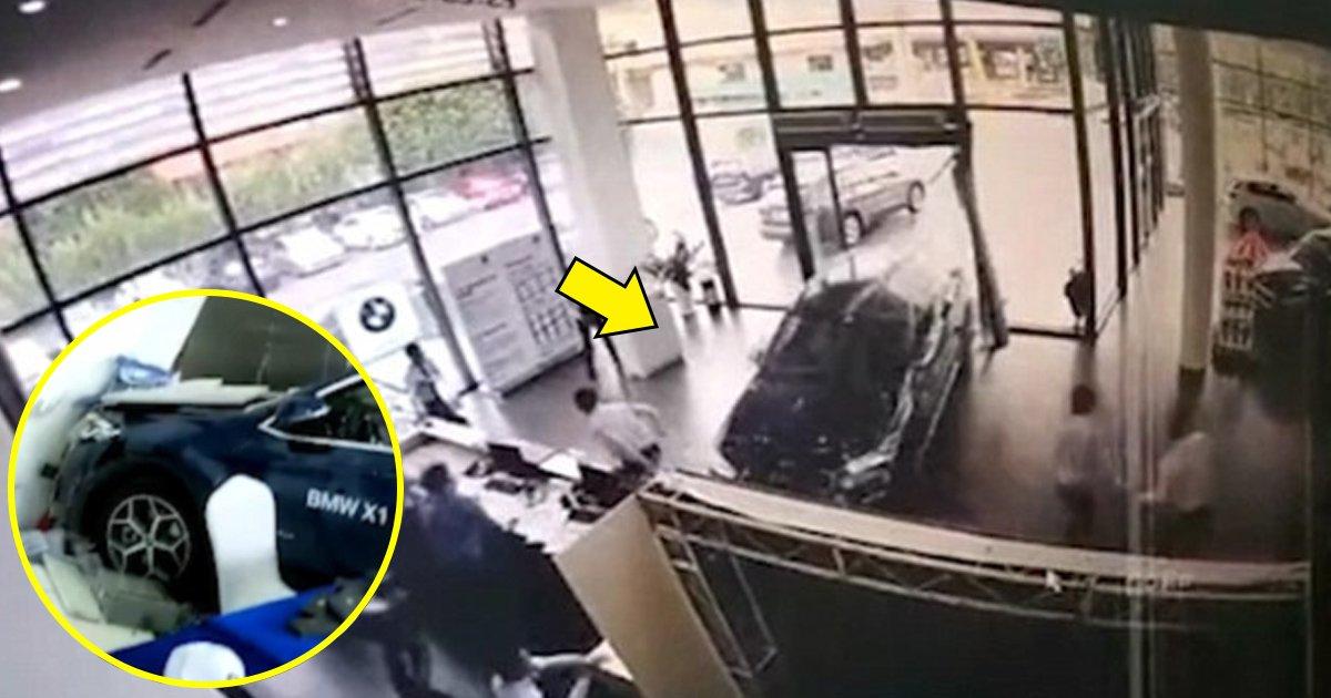 ghh.jpg?resize=1200,630 - Une femme teste une BMW d'une valeur de 50 000 € et s'écrase directement dans le point de vente du concessionnaire.