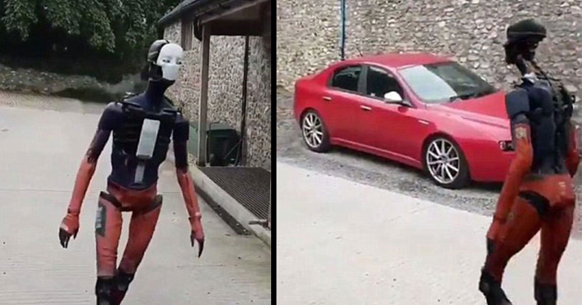 human like robot adam5.jpg?resize=636,358 - Vídeo mostra um robô incrivelmente parecido com um humano andando pela calçada