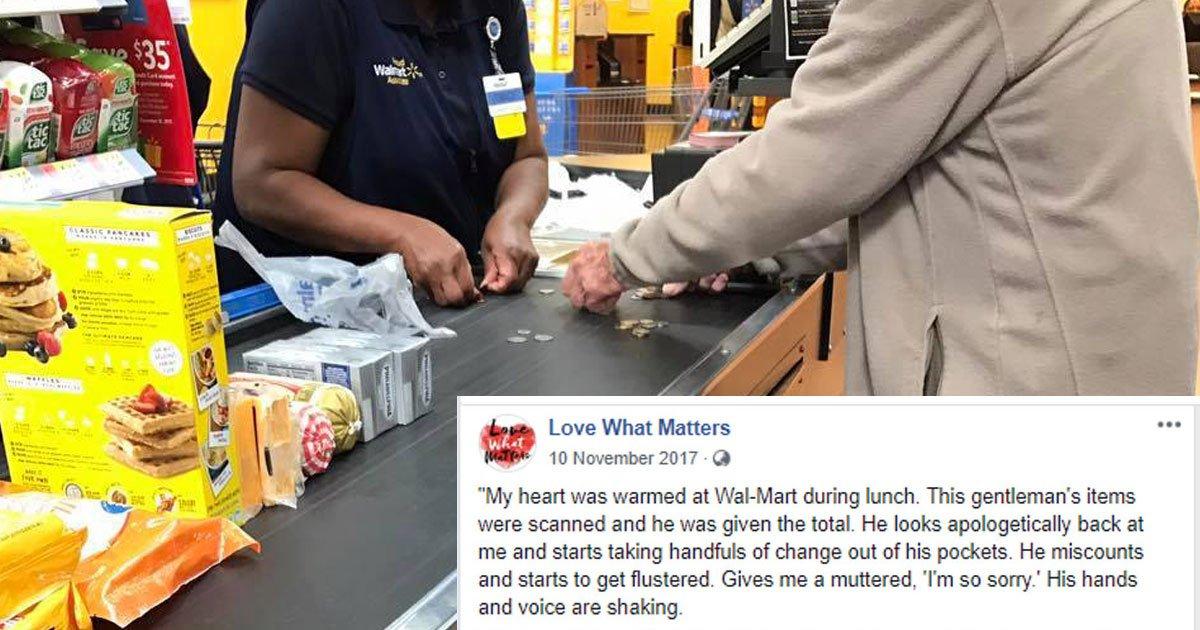 kind walmart cashier.jpg?resize=412,232 - Un homme âgé prend trop de temps à la caisse, la réponse de l'hôtesse de caisse est exemplaire.
