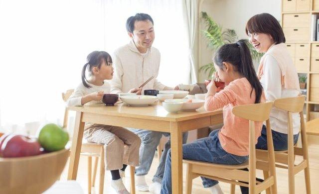 家族と会話에 대한 이미지 검색결과