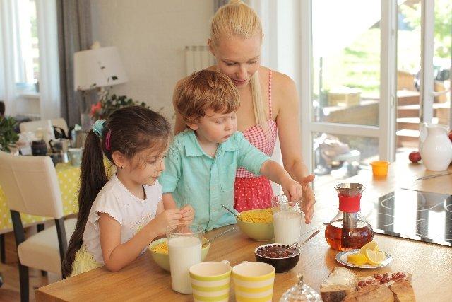 親子 食事 海外에 대한 이미지 검색결과