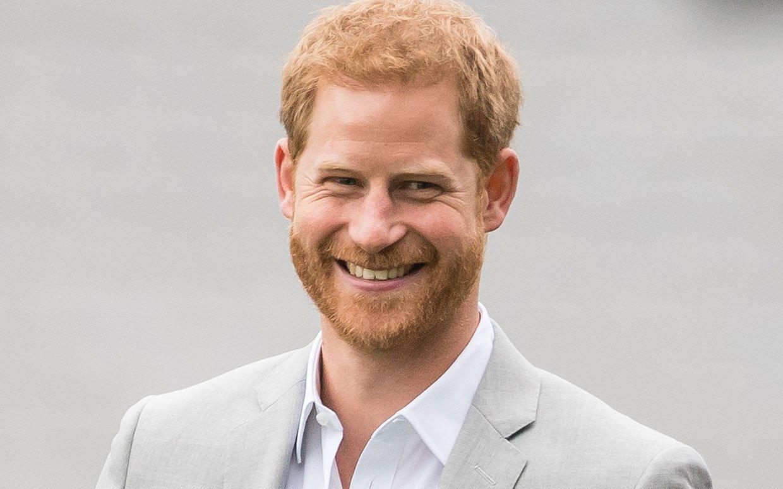 prince harry audi for sale ftr.jpg?resize=648,365 - Príncipe Harry chama a atenção por aparecer com um buraco na sola do sapato em casamento de amigo