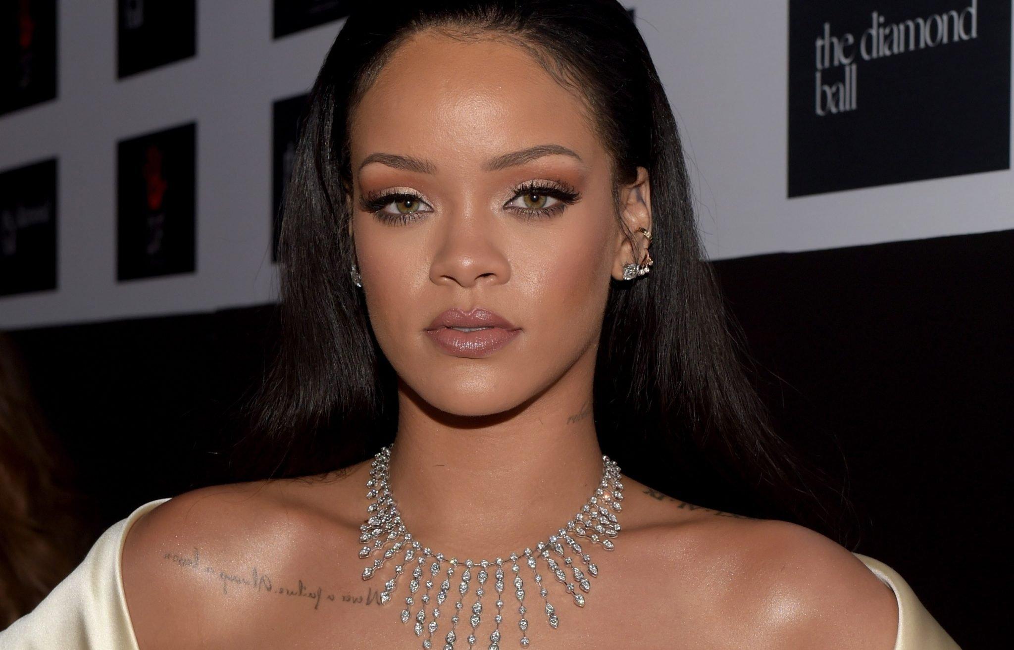 rihanna 1.jpg?resize=1200,630 - Rihanna quer ser mais saudável e confessa ter encontrado o equilíbrio em sua vida