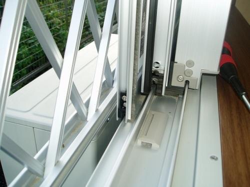 網戸とガラス戸のサッシの隙間에 대한 이미지 검색결과