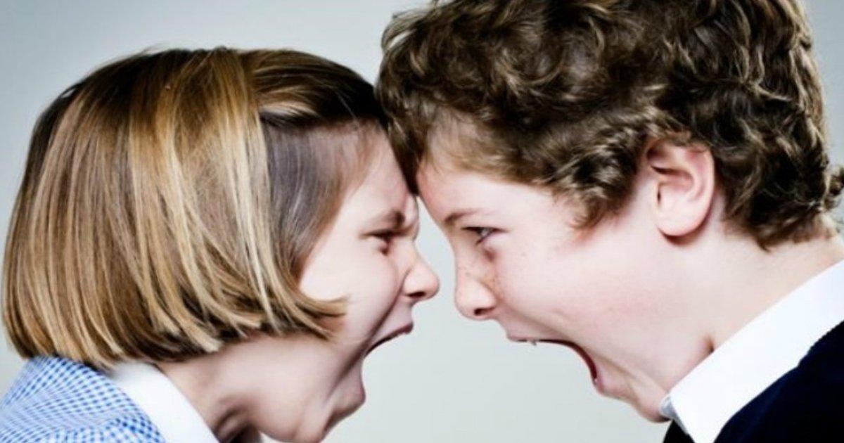 sibling fight.jpg?resize=412,232 - Estudo mostra que brigar com seu irmão faz de você uma pessoa melhor