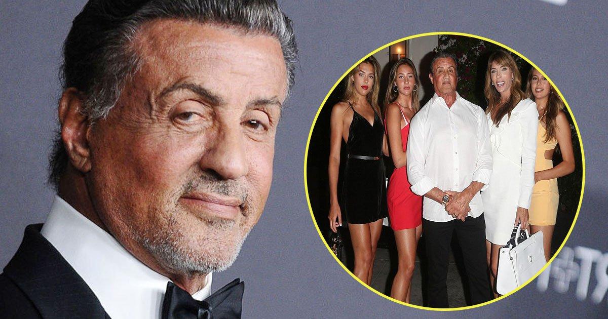 sylvester stallone daughters wife.jpg?resize=300,169 - Sylvester Stallone curtiu jantar ao lado de suas filhas no aniversário de cinqüenta anos de sua esposa, Jennifer Flavin