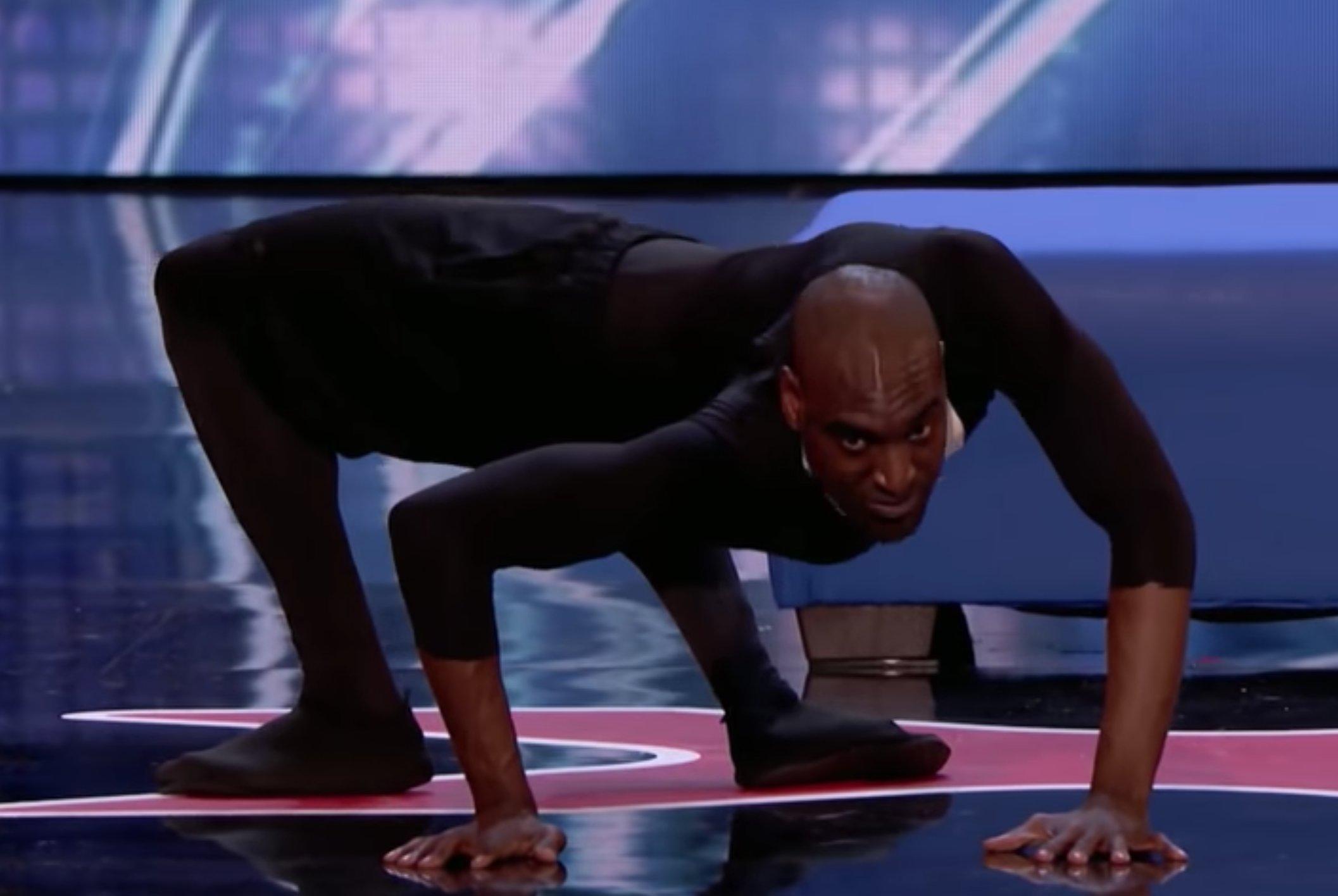0 1.png?resize=648,365 - 叫他正港的「人形蜘蛛」!光速四肢爬行再轉身回眸...達人秀評審全被嚇爛